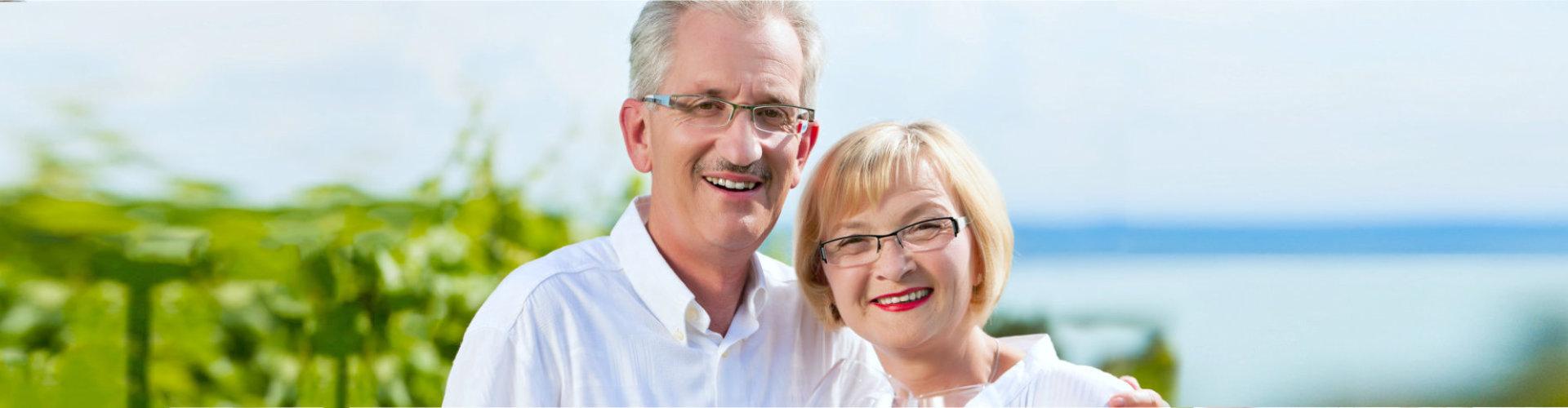senior couple with glasses
